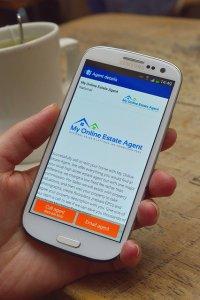 strona internetowa na smartfonie