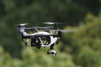 Dron robiący zdjęcia